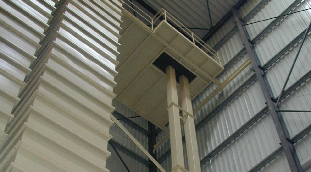 Elevator + silo